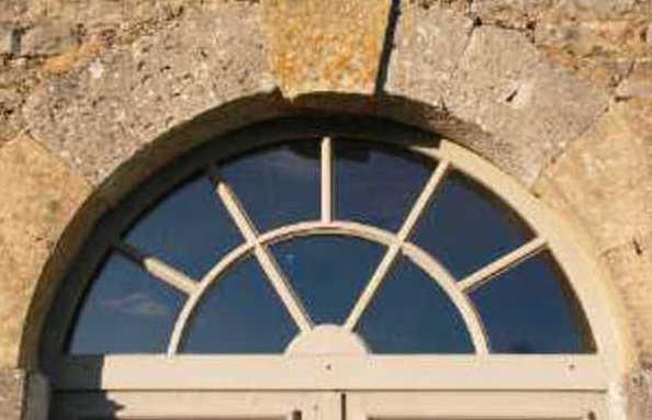 Manor Donville: der Rahmen